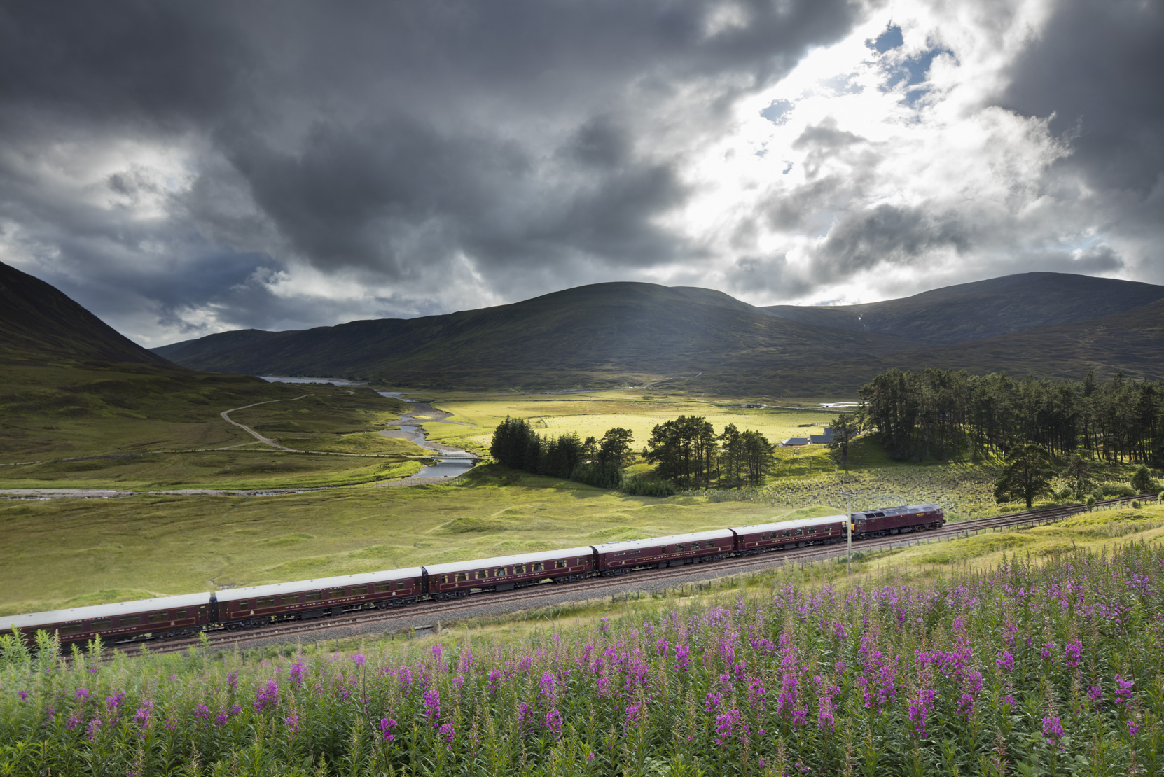 The Royal Scotsman on the line from Perth to Inverness at Dalnaspidal, nr Dalwhinnie, Badenoch and Strathspey, Scotland, UK