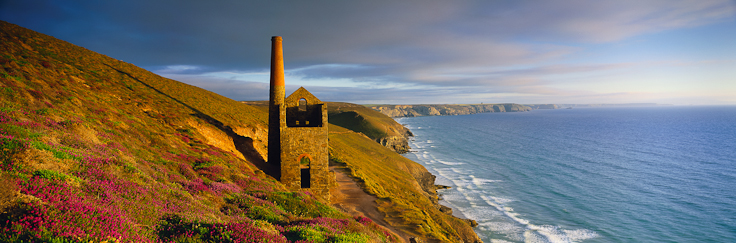 The Towanwroath engine house, Wheal Coates tin mine, nr St Agnes, Cornwall, UK