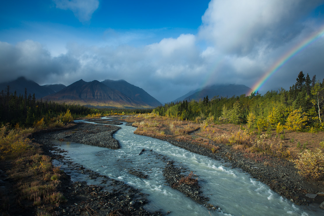 Early snow and autumn colours at Five Mile Lake, on the Silver Trail, Mayo, Yukon Territories, Canada