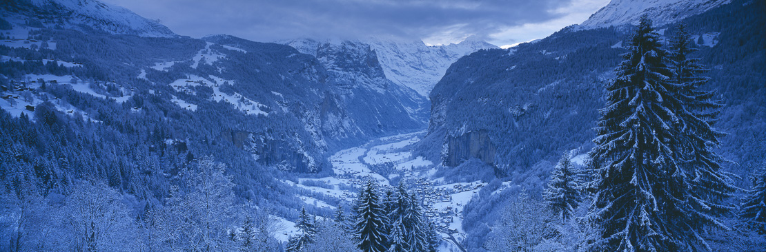 Winter scene overlooking the Lauterbrunnen valley from Wengen, Bernese Oberland, Switzerland
