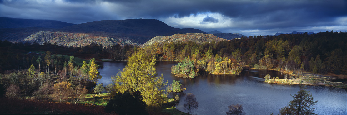 Tarn Hows, nr Hawkshead, Lakes District, Cumbria, England, UK. (NR)