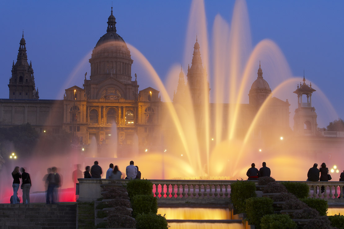 the Font Magica (Magic Fountain) & the Palau Nacional (National Palace) at night, Montjuic, Barcelona, Spain