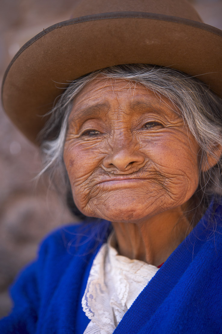 old woman in the square, Pisac, Sacred Valley, nr Cusco, Peru
