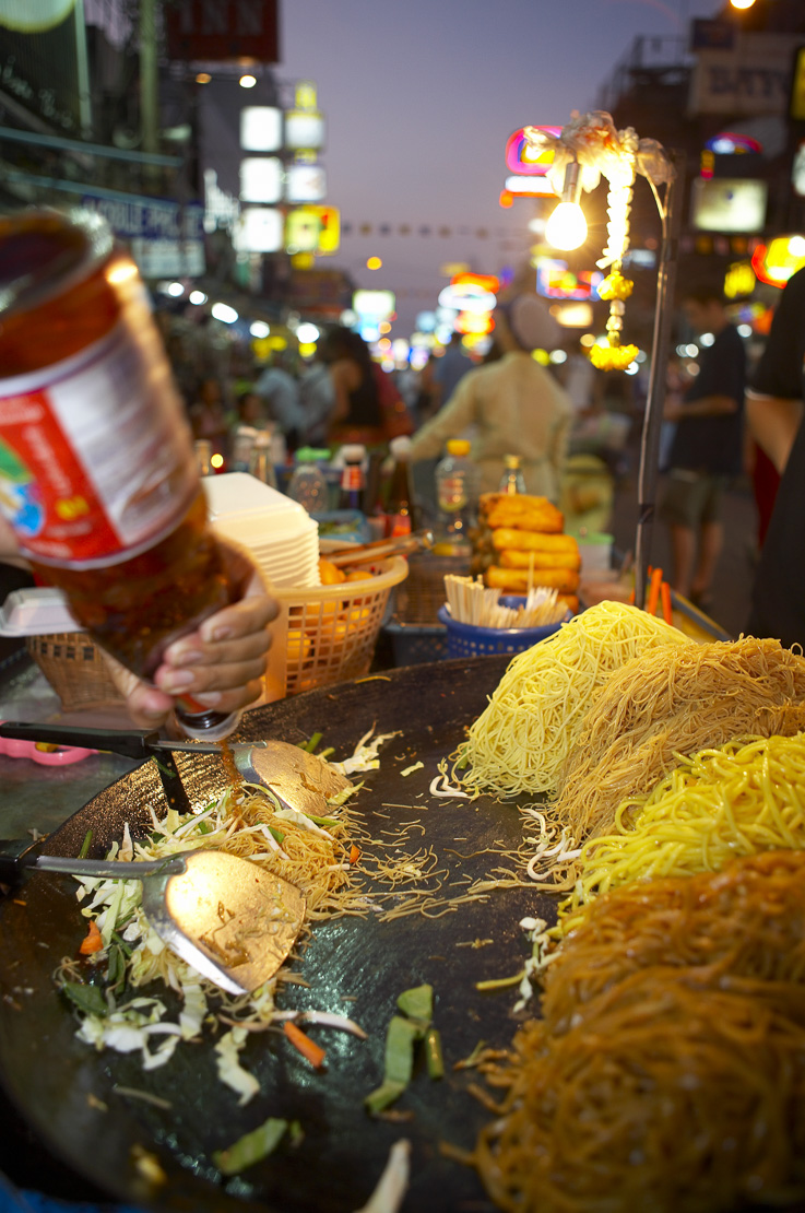 street food, Pad Thai noodles being stir fried on the Khao San Road, Bangkok, Thailand