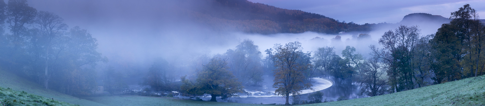 autumn colours and mist in the Dee Valley (Dyffryn Dyfrdwy) at Horseshoe Falls near Llangollen, Denbighshire, Wales