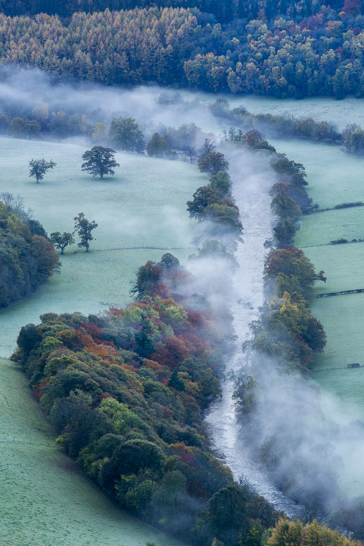 Autumn colours and mist in the Dee Valley (Dyffryn Dyfrdwy) near Llangollen, Denbighshire, Wales